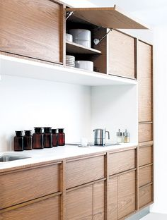 lift up cabinets (do we like edged cabinetry?)