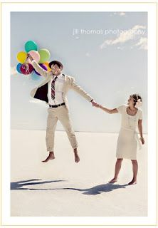Lex and the City: adorable wedding portraits - with balloons!