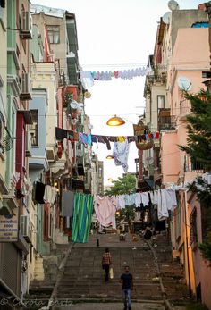 Istanbul is an ancient city, and while we were there we also explored some of the oldest neighborhoods. Sure, it is a must to see the im. Urban Rooms, Architecture Background, Hanging Out, The Neighbourhood, Old Things, Smartphone, Aesthetics, Comic, Wallpapers