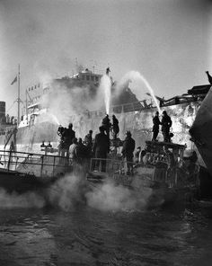 "Incendio della petroliera ""Luisa"", Venezia 1951"