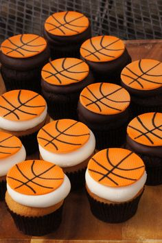35 Ideas For Basket Ball Cupcakes Ideas Chocolate Covered Basketball Cupcakes, Football Cupcake Cakes, Basketball Birthday Parties, Baseball Cakes, New Birthday Cake, Birthday Cupcakes, Flower Birthday, Birthday Bash, Birthday Ideas
