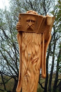 Repurposing Tree Trunks Or Stumps: tree Sculpture