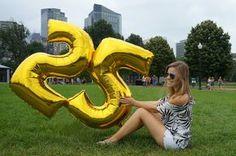 birthday photoshoot, 25 big number balloons, fashion blogger, Boston, birthday in the park