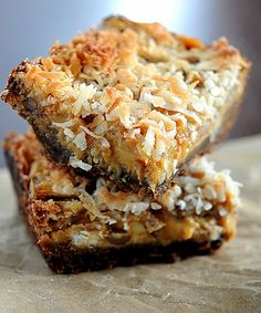 Pumpkin Gingersnap Magic Bars via- Culinary Concoctions By Peabody