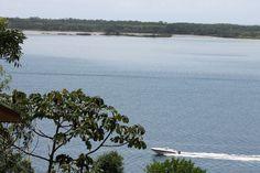 """""""...Minha ilha são muitas. Vasto arquipélago de palavras, costumes, cores, belezas e odores. Pedaços desgarrados ansiando à deriva...""""(Fernando Alexandre)  -Costa da lagoa-"""