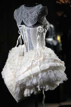 Corset top panniers, from circa but as a modern day petticoat the layers of ruffles and lace looks, and I suspect feels sensuous. Luxury Lingerie, Lingerie Set, Lingerie Sleepwear, Bridal Lingerie, House Of Worth, Vintage Outfits, Vintage Fashion, Unique Fashion, Hippy Chic