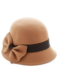 Dancy Seeing You Here Hat. Upon spotting your longtime friend across the street, you put your hand to this bow-topped cloche and waltz over with open arms! #tan #modcloth