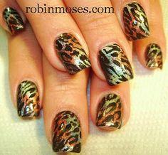 nail art done with eyeshadow.   www.youtube.com/watch?v=FqSL_3qXTlU