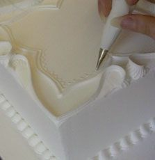 excellent tutorial on Royal Icing | http://moussecakescollections.blogspot.com