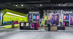 A new store concept is created for multi-brand sporting goods store, Barçın. Pos Design, Club Design, Design Blog, Brand Design, Visual Merchandising, Nike Retail, Gym Interior, Interior Design, Soccer Store