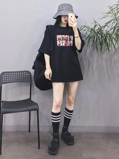 Korean Fashion Trends you can Steal – Designer Fashion Tips Korean Fashion Trends, Korean Street Fashion, Korea Fashion, Asian Fashion, Girl Fashion, Fashion Women, Korea Street Style, Fashion Styles, Grunge Outfits