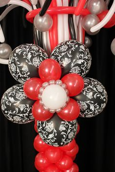 cool balloon column - would be great for graduation party this May