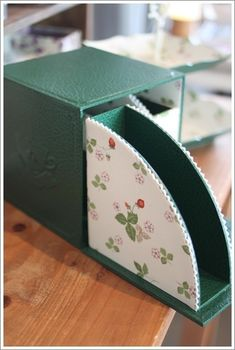 Cardboard Organizer, Cardboard Crafts, Paper Crafts, Shoe Box Storage, Fabric Covered Boxes, Corrugated Box, Tea Box, Jute Bags, Paper Flowers Diy