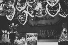 """""""O que é o Natal? É o resumo do espírito da doce amizade que brilha todo o ano. É consideração e bondade, é a esperança renascida novamente para trazer paz, entendimento e benevolência para os homens. Natal não é fim de ano, é recomeço, é nascimento, é a esperança de que um novo ano que se aproxima, é o desejo de ter conosco todas essas pessoas queridas fazendo parte de nossa vida. Feliz Natal e Próspero Ano Novo!"""""""