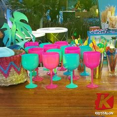 Luau Theme Party, Aloha Party, Neon Party, Diy Party, Party Themes, Flamingo Birthday, Flamingo Party, Birthday Balloons, Adult Party Decorations