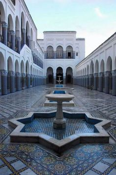 Beautiful Islamic Architecture in Morocco Moroccan Design, Moroccan Style, Islamic World, Islamic Art, Islamic Architecture, Art And Architecture, Moslem, Jolie Photo, Moorish