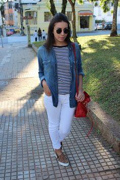 Nanda Pezzi - Mix de estampas + camisa jeans + calça branca