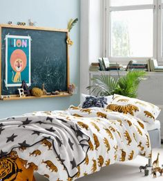 HM Home duvet cover tiger Casa Kids, H&m Home, Deco Design, Fashion Room, Duvet Sets, Kid Spaces, Kid Beds, Kids Decor, Boy Room