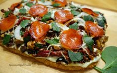 Gourmet Girl Cooks: Pizza -- Saturday's Meatza Pizza Pie -- Grain free & Low Carb Heaven!