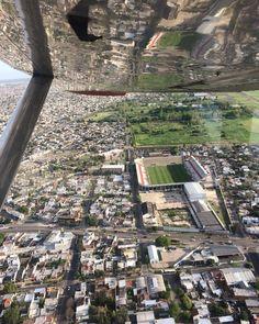 Hoy hicimos un vuelo bautismo desde la base aérea de Morón. Hermosa experiencia. Super recomendable para los amantes del Aire.  Se viene una seguidilla de fotos en los próximos días.  #moron #flymoron #cessna172 #vuelobautismo