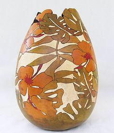 Arte na Cabaça - verde, vermelho, amarelo, folha tropical. vaso de cabaça