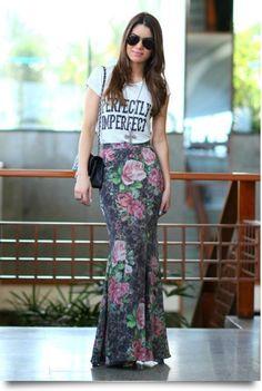 Resultado de imagem para t-shirt feminina com saia longa onça