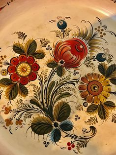 One Stroke Painting, Tole Painting, Folk Art Flowers, Flower Art, Rosemaling Pattern, Norwegian Rosemaling, German Folk, Scandinavian Art, Jacobean