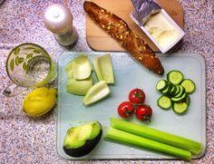 Healthy Lunch, lots of veggies & fresh lemonade - www.urbankristy.com