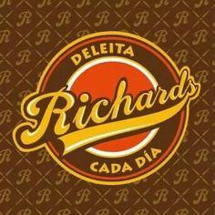 Richards Deleita Cada Día Facebook: tortasrichard  Twitter: @tortasrichard Página Web: www.tortasrichard.com