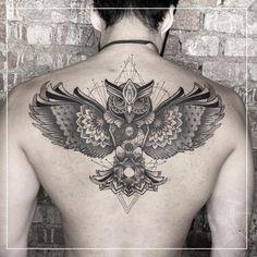 Faça sua tatuagem em Maio e Junho 2021: Artistas com Agenda Aberta! - Blog Tattoo2me Piercings, Junho, Tattoos, Blog, Shoulder Tattoo, Blossom Tattoo, Delicate Tattoo, Male Tattoo, May