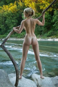 Great full model of back in a natural setting, natural light