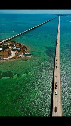 Key West, Florida Boating Destinations - this was incredible on the 7 mile long bridge.