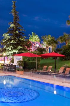 The leafy courtyard is home to an outdoor pool and top-notch restaurants and bars. Hôtel Barrière Le Majestic (Cannes, France) - Jetsetter
