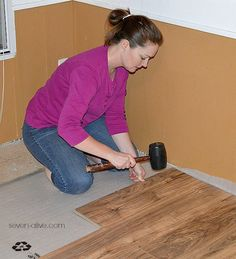 A great tutorial on how to lay laminate flooring!