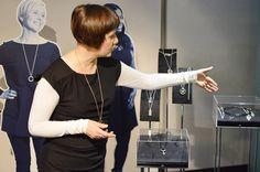 Kalevala Korun 80-vuotisjuhlanäyttelyssä on esillä julkisuuden henkilöiden kanssa yhteistyössä suunniteltuja ja toteutettuja korumalleja.