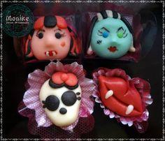 Doces modelados Monster High. Shaped candy  Monster High. Doces Ninho.  https://www.facebook.com/monikedocesartesanais