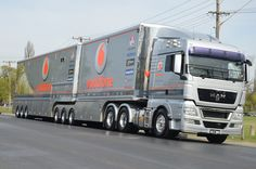 MAN, Triple Eight Racing, Bathurst. Lining up for the transporter parade. Mike Cornwall. Bathurst 6.10.11 #motorsport