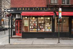 In Greenwich Village, the Perfect New York Bookstore Lives On: Chain stores have come and gone but Three Lives & Company remains, and is still the archetype of a neighborhood hangout. Village Photography, City Photography, Define Cool, Waverly Place, Ireland Vacation, Ireland Travel, Ireland Landscape, Greenwich Village, Greenwich New York