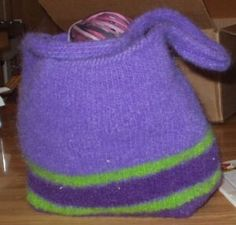 Free Knitting Pattern - Bags, Purses & Totes: Felted Bag