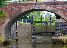 Grand Union canal south of Leicester Canal Boat, Leicester, Rivers, Bridge, To Go, Night, Places, Image, Lugares