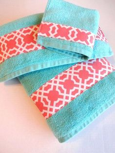 teal Bathroom Decor Coral and Turquoise Bathroom D - bathroomdecor Bathroom Towels, Bathroom Sets, Bath Towels, Downstairs Bathroom, Bathroom Inspo, Bathroom Cabinets, Turquoise Bathroom Decor, Bathroom Colors, My New Room