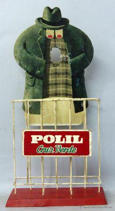 Expositor publicidad Polil Cruz Verde antipolillas muñeco cartón y base metal y madera años 50 - 60