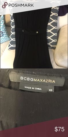"BCBG Jersey Shift Dress, XS BCBG Max Azria jersey shift dress with pockets. Size XS, runs a bit big. Knee length on me and I am 5'4"". BCBGMaxAzria Dresses Midi"