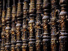 Caras de la reja del coro de la Catedral de #Burgos. por @chechugarate