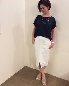 Cut&sew:CROSSLEY ¥7,776- SKIRT:PORTCROS ¥12,960- Shoes:GAIMO ¥15,984- ACCESARY:MIQUILA ¥6,480- WATCH:CASIO ¥4,104-