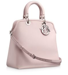 Foulard-coloured leather 'Dior Granville' bag Named after the fashion designer's home town, the 'Dior Granville' collection captures the origins of the House of Dior. Fashion Handbags, Tote Handbags, Purses And Handbags, Fashion Bags, Pink Handbags, Women's Fashion, Beautiful Handbags, Beautiful Bags, My Bags