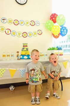 Buzz & Woody Toy Story Birthday Party by 5M Creations - Great printables & favor bag ideas - PERFECT FOR ELIJAH'S BIRTHDAY!!