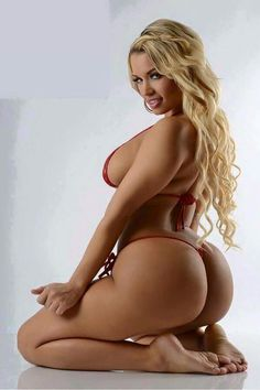 Two Nicest Things About Women: Curves and Smile  From Thickgallery