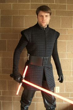 Almost finished getting my Last Jedi Kylo Ren cosplay ready for opening night.