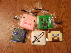 1 Dozen Minecraft cookies They come bagged and tied with curling ribbon. These are delicious vanilla sugar cookies with vanilla icing. Vanilla Icing, Vanilla Sugar, Minecraft Cookies, Cookies For Kids, Curling, Sugar Cookies, Ribbon, Unique Jewelry, Handmade Gifts